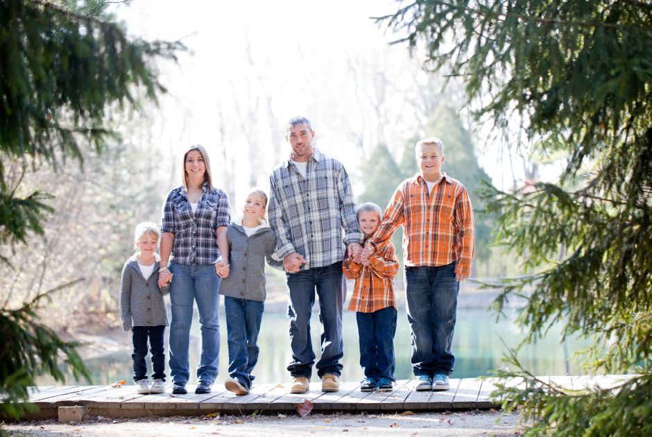 I Love How Well Raquel Dressed Her Family For Our Portraits The Pop Of Orange On Boys And Cool Gray Girls